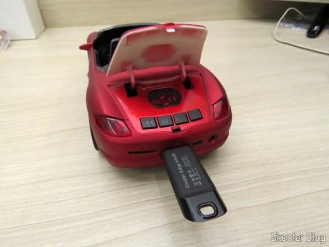 Carrinho/Rádio/Audio Player com uma das 2 Baterias BL-5C 1020mAh, instalada