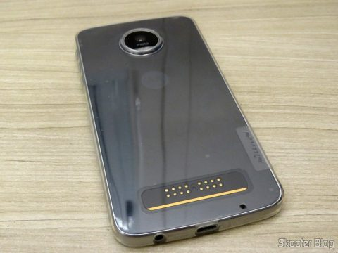 Transparent cover for Motorola Moto Z Play Nillkin Nature 0, 6 mm TPU, on its packaging, installed in the Moto Z Play