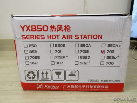 Soldering station and Hot air Rework Yaxun 702 110v, on its packaging