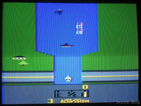 River Raid no Atari 2600 in the process of de-transcoding