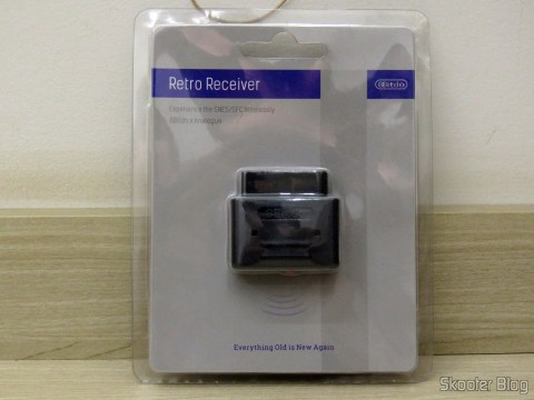 2º Retro Receiver SNES - 8bitdo, on its packaging