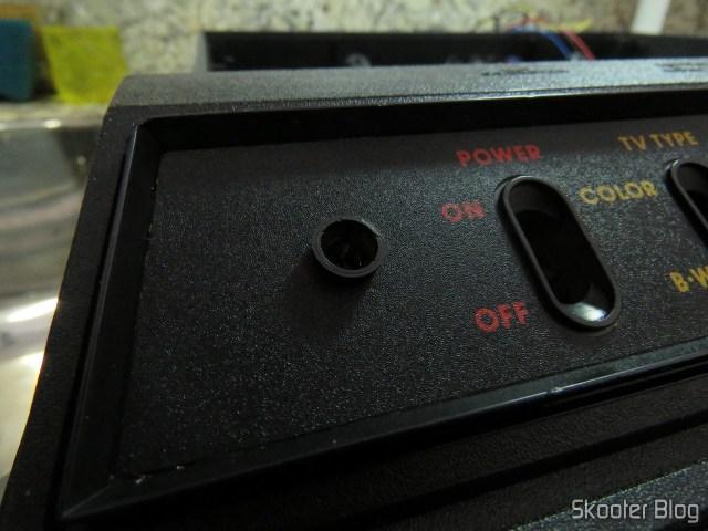 Suporte de LED instalado no Atari 2600.