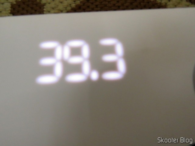 The display of Xiaomi Mi Smart Scale 2, that doesn't look good in pictures, but it is well visible in person.
