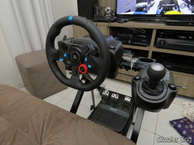 Logitech G29, Extreme Racing Cockpit-mounted EXR-S XT.