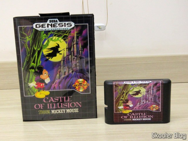 Cartucho de Mega Drive da AliExpress: Castle of Illusion starring Mickey Mouse, e sua caixinha.Cartucho de Mega Drive da AliExpress: Castle of Illusion starring Mickey Mouse, e sua caixinha.