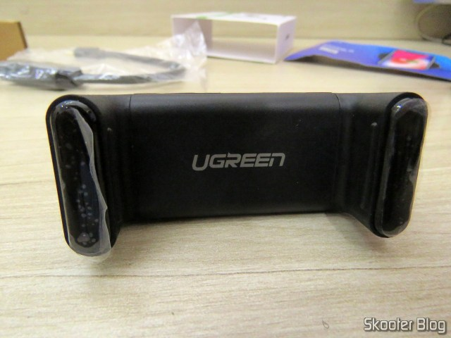 Cell phone holder for Car Ugreen to vent.