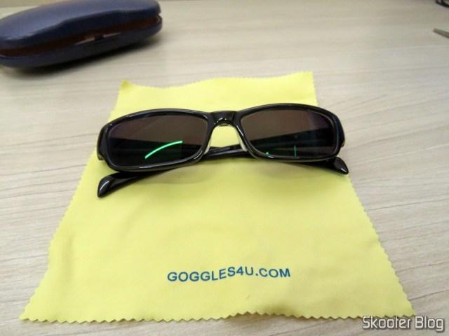 Sunglasses with Degree, Black Dark Lens (G4u T3022 Rectangle Eyeglasses 124765-c).