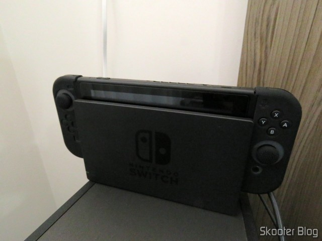 Meu Nintendo Switch, sem capa.