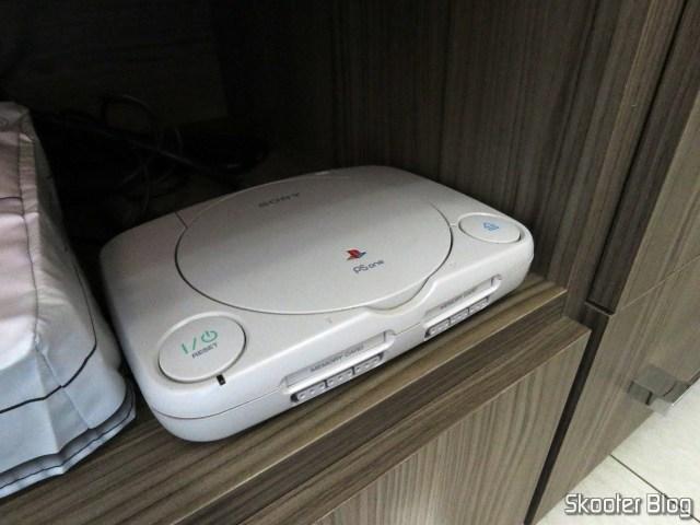 Meu Playstation One, sem capa.