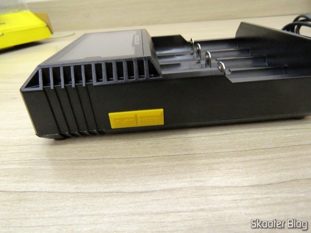 Battery Charger buttons NiteCore Digicharger D4EU.