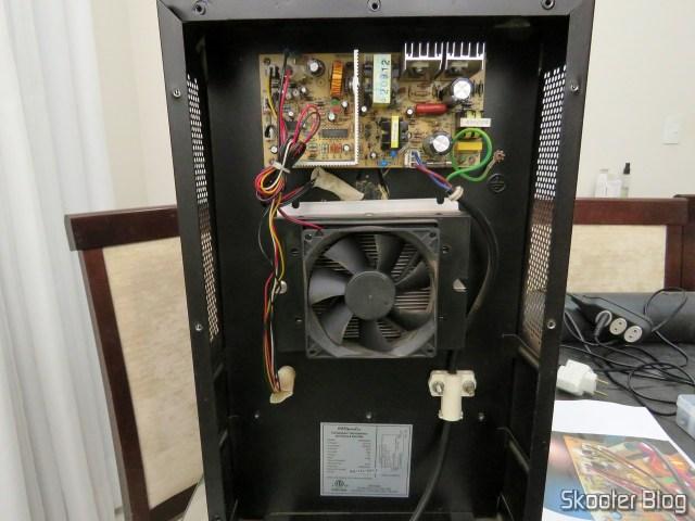 Placa da Adega EasyCooler 8 garrafas Modelo 4092640045 Placa FX-101 PCB120515K1 SH14387 12.05.06, após a troca de todos os capacitores eletrolíticos, já instalada.