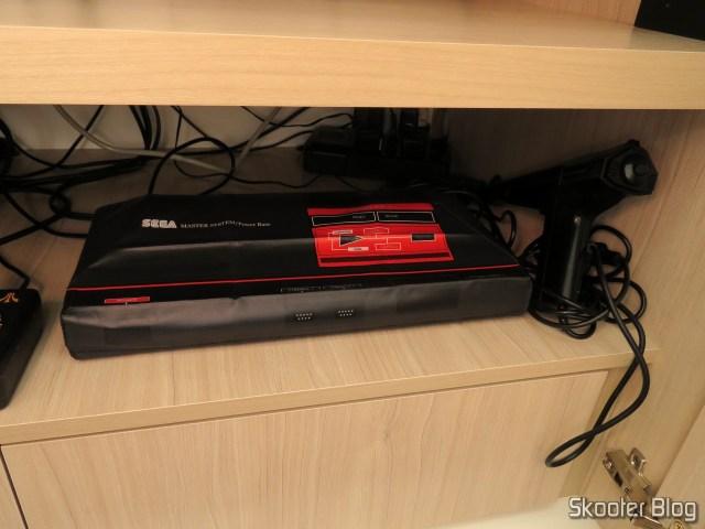 Meu Master System II da Tec Toy, com capa do Printer Boy.