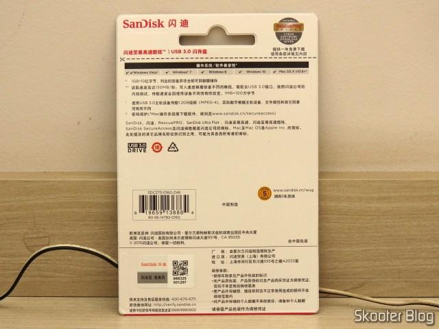 Pendrive Sandisk 16GB Ultra Flair USB 3.0, em sua embalagem.