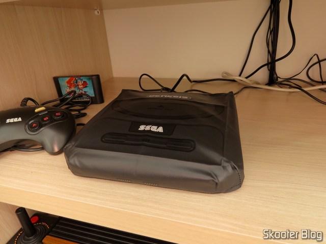 Meu Mega Drive III da Tec Toy, com capa para Sega Genesis II do Printer Boy.
