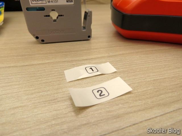 Etiquetas impressas com a Fita p/ Rotulador M131 12mm Preto sobre Transparente Brother (Ref. M131).