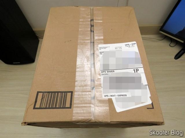 Pacote da Amazon com o 2º Synology 4 bay NAS DiskStation DS918+ (Diskless).