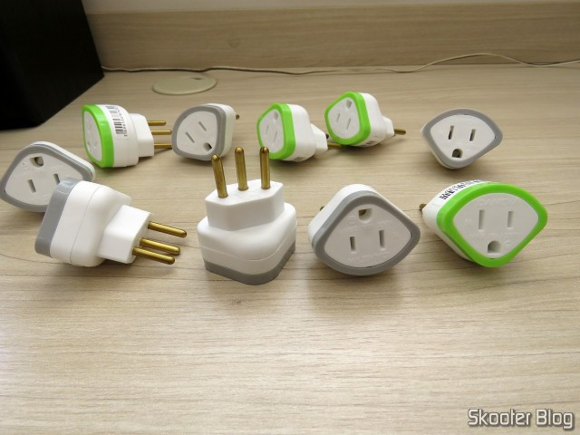 10 Pinos(plugs) 2 p + T 10A adapters 1630 Daneva - 1 Package C/10
