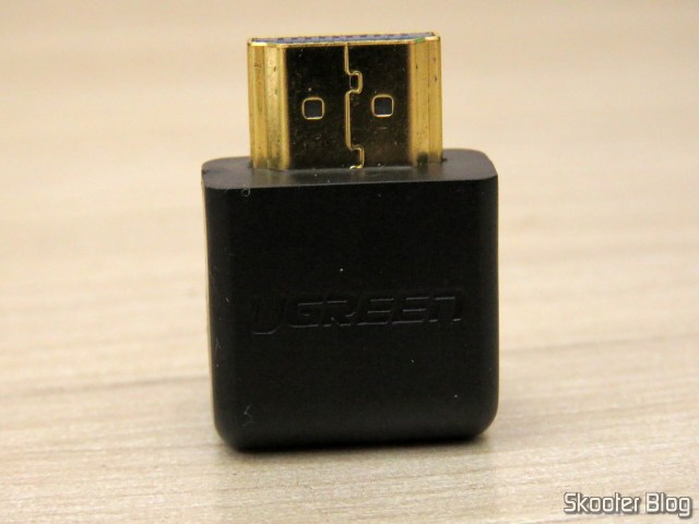 HDMI angle adapter Ugreen.