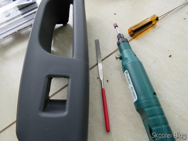 Também foi necessário desgastar um pouco o puxador da porta do lado do passageiro.