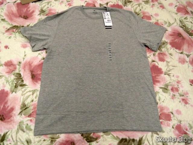 Basic Men's Cotton T-Shirt in Slim Modeling
