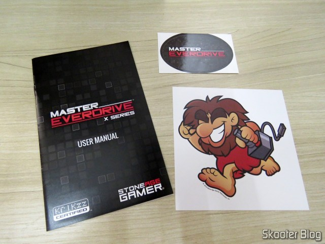 Manual and stickers that come with the Master Everdrive X7 Deluxe.