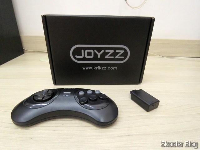 Joyzz, seu receptor e sua embalagem.