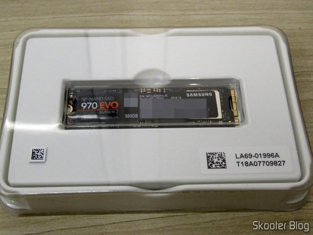 Samsung 970 EVO 500GB – NVMe PCIe M.2 2280 SSD (MZ-V7E500BW), em sua embalagem.