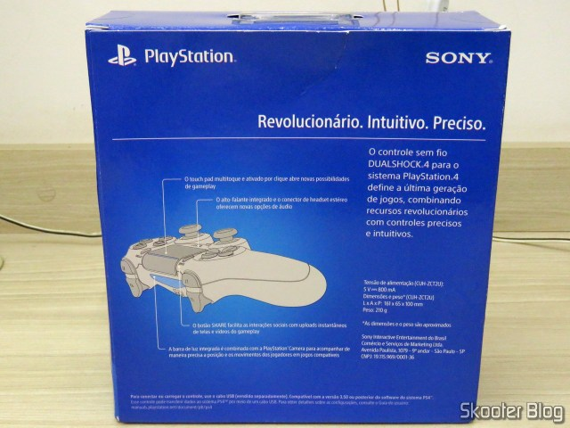 Control to PS4 Wireless Dualshock 4 Sony, on its packaging.