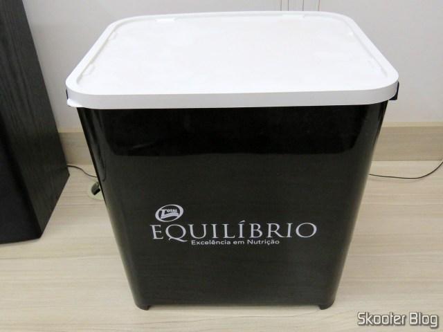 2º Container Canister Furacão Pet – Brinde da Ração Equilíbrio