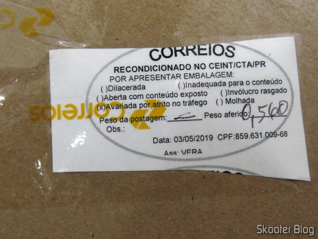 Correios notice that the package has been refurbished due to damaged packaging due to traffic friction.
