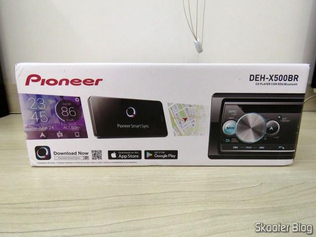 Car Audio Pioneer CD MP3 Player AM / FM - Bluetooth USB Auxiliar DEH-X500BR, on its packaging.