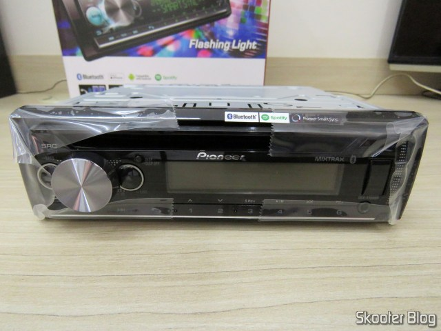 Som Automotivo Pioneer CD Player MP3 AM/FM - Bluetooth USB Auxiliar DEH-X500BR.