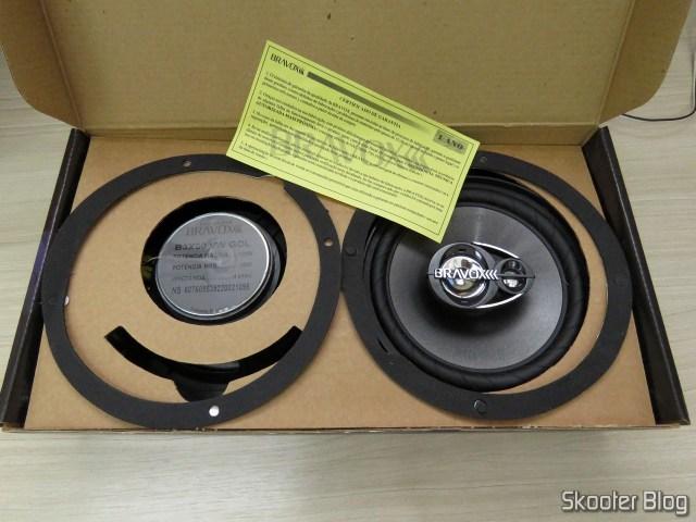Speakers Pair Triaxial Bravox Original Line 6 Pol B3X60 VWGol, on its packaging.