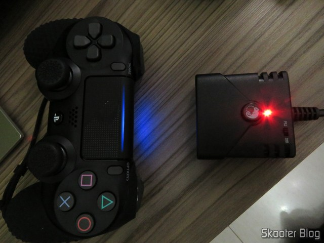 Adaptador de Controle Playstation PS3/PS4 para PS2/PS1/PC Brook Game Controller Super Converters Magic Box P2-BL, up with the Playstation One and Dualshock 4.