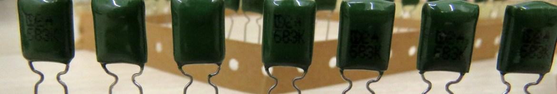 Capacitores de Poliéster Metalizados de 68nF e 100V.