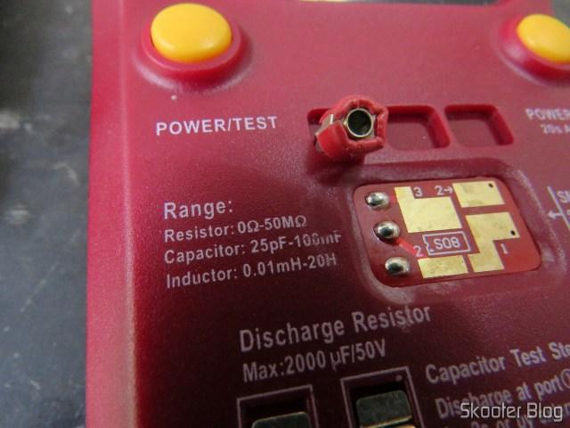 Capacitor variável, fora da faixa do testador, que começa em 25pF.