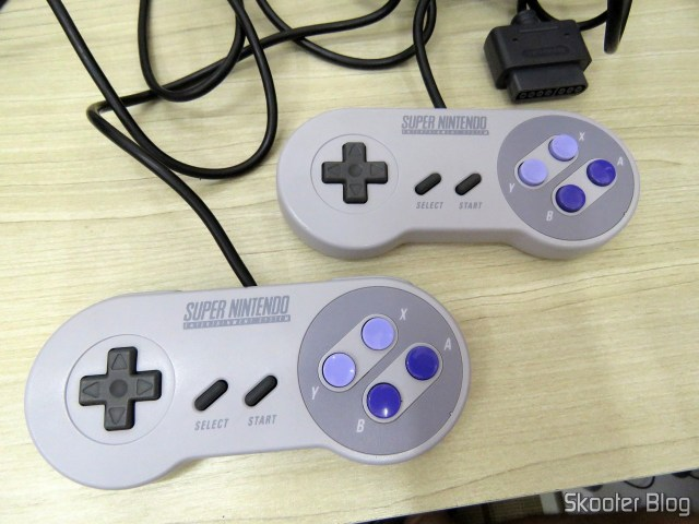Controladores do Super Nintendo, após a limpeza.