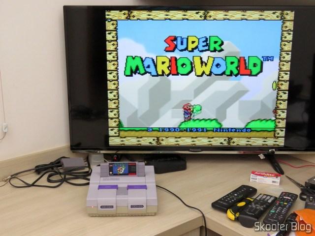 Super Nintendo SHVC-CPU-01 1/1/1 em funcionamento após a limpeza.