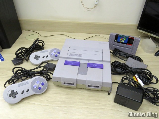 Super Nintendo Original NTSC PCB SHVC-CPU-01 CPU/PPU1/PPU2 1/1/1, and accessories.