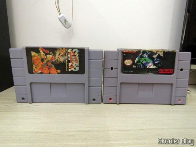 Os dois cartuchos do Super Nintendo, after cleaning.