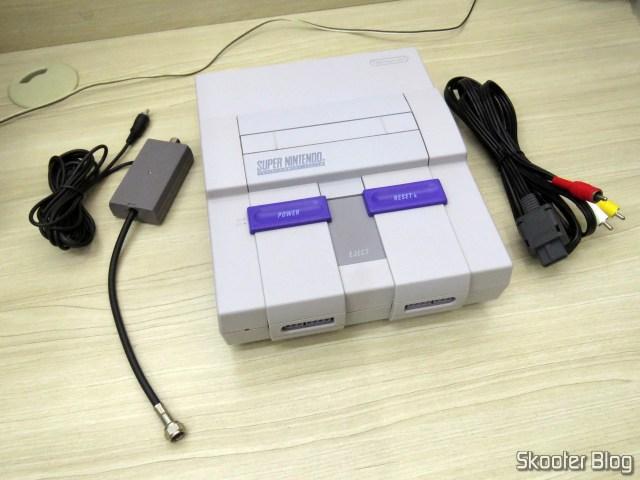 Super Nintendo, cabo R.F. e cabo A/V, após as limpezas.
