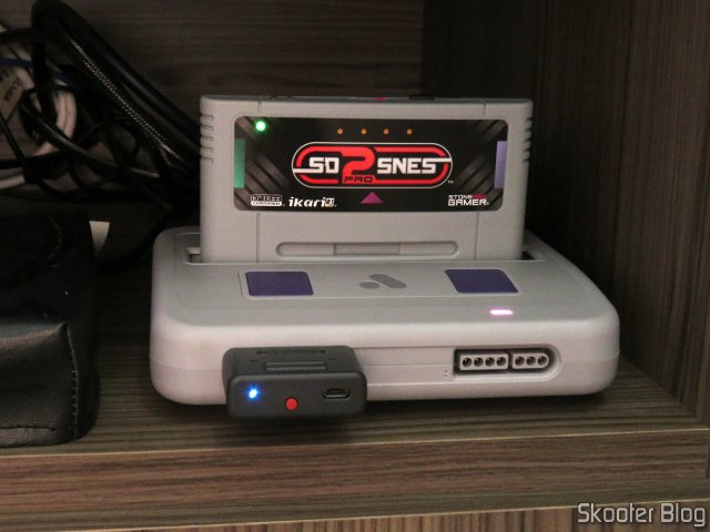 SD2SNES Pro Deluxe em funcionamento no Analogue Super Nt.