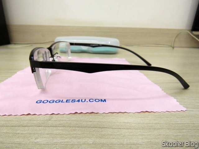Glasses with photochromic lenses.