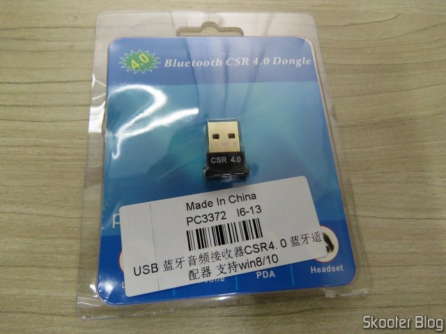 Mini Adaptador USB Bluetooth v4.0 CSR Dongle, on its packaging.