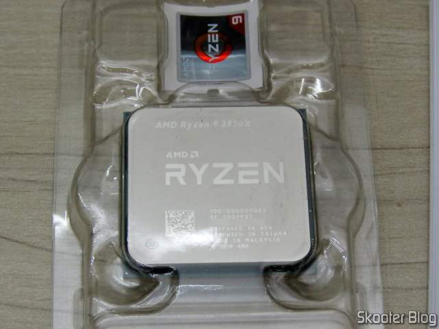 AMD Ryzen processor 9 3900X 12 nuclei, 24 threads.