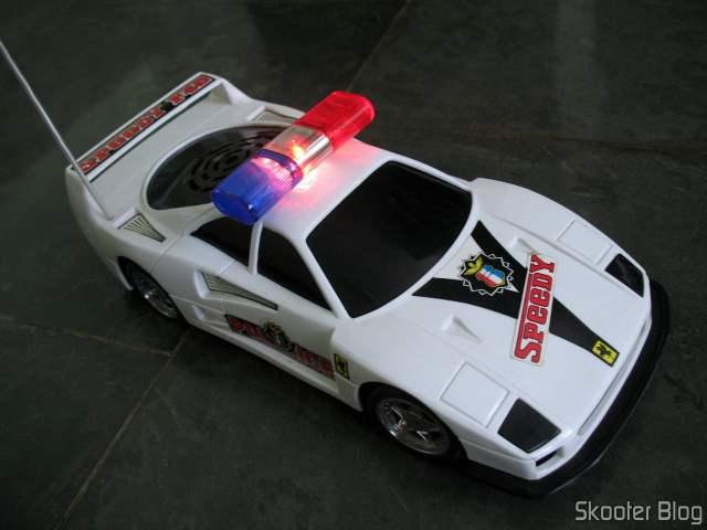 Meu carrinho de controle remoto de infância. Tenho ele desde 1991, logo completa 30 anos.