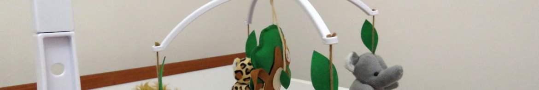 Móbile Berço Bebê Musical e Giratório Animais da Floresta, em funcionamento.