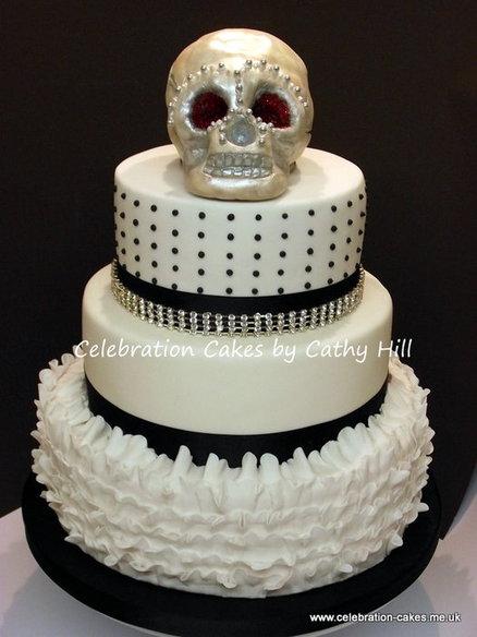 25 Wedding Cakes With Skulls