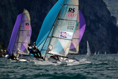 RS800 - The ultimate high performance double trapeze skiff