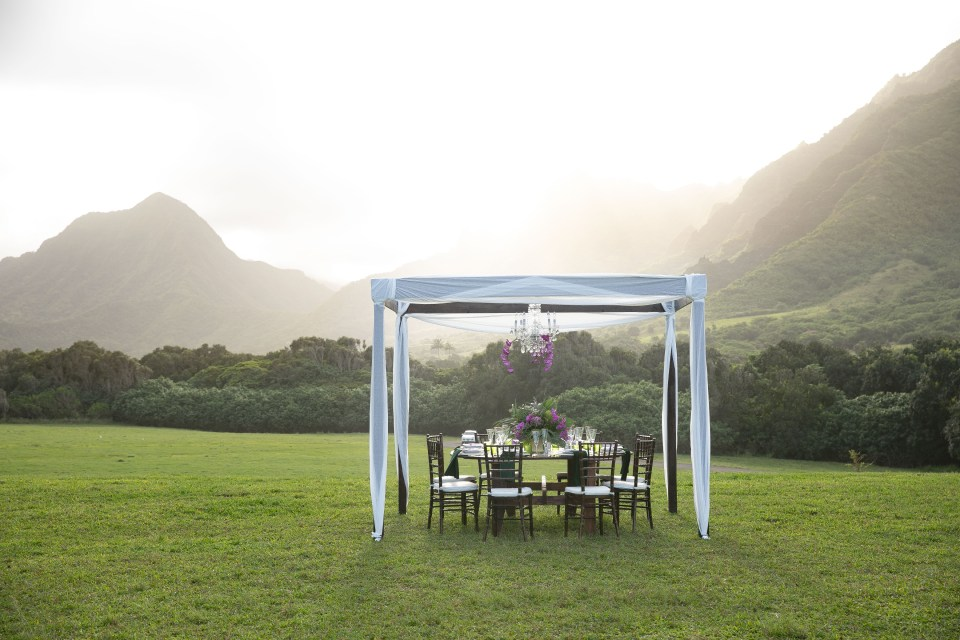 Wedding table inspiration at Kualoa Ranch